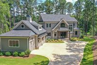 IMMACULATE NEW GOLF COURSE HOME