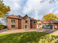 A BESPOKE AND HANDSOME RESIDENCE SET WITHIN THE PRESTIGIOUS CHALFONT HEIGHTS PRIVATE ESTATE