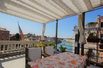 APARTMENT WITH TERRACE AND PRIVATE MOORING