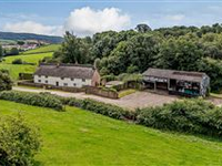 SECLUDED AND VINTAGE BROOK FARM IN DEVON