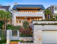 ARCHITECTURAL MASTERPIECE WITH HARBOUR VIEWS