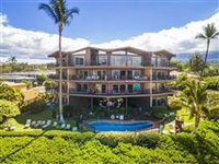 CHARMING GROUND FLOOR UNIT WITH OCEAN AND GARDEN VIEWS
