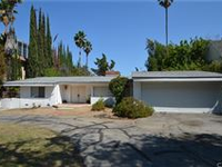 PERFECT OPPORTUNITY FOR MID-CENTURY DREAM HOME