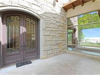 COUNTRY ESTATE WITH PANORAMIC VIEWS OVER LAKE TEXOMA