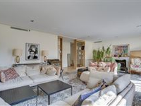 IMMACULATE BRIGHT AND SUNNY APARTMENT