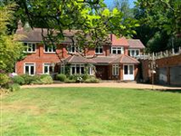 A UNIQUE AND SPACIOUS HOME WITHIN THE GROUNDS OF AN EXCLUSIVE PRIVATE ESTATE