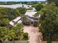 GRACIOUS HOME ON IDEAL BAYFRONT LOT