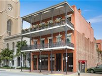 ELEGANT BUILDING IN THE HEART OF THE WAREHOUSE DISTRICT