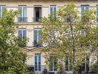 SUNNY PARIS APARTMENT WITH LUXURY INTERIORS