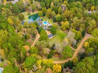 SPECTACULAR EIGHT-ACRE WOODED ESTATE