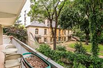 CHARMING APARTMENT ENTIRELY OVERLOOKING THE GARDEN