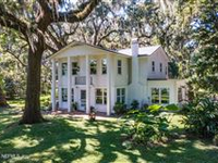 PICTURESQUE 1902 HOME