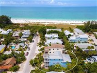 THE BEST IN ISLAND LIVING 100 STEPS TO THE BEACH