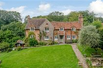 PICTURESQUE COTTAGES IN TRANQUIL GARDENS