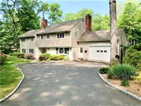 LIGHT FILLED HOME ON PRIVATE LANE IN NEW CANAAN