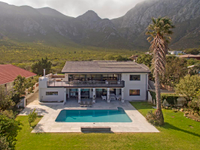EPITOME OF LUXURY AND STYLE IN HERMANUS