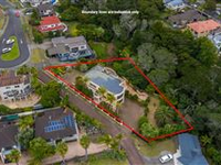 MASSIVE FAMILY HOME WITH BRILLIANT VIEWS  IN WEST HARBOUR