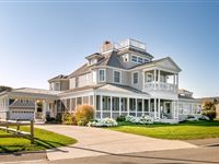 GRACIOUS OCEANFRONT VICTORIAN WITH SPECTACULAR VIEWS