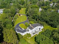 HANDSOME COLONIAL IN BEAUTIFUL SETTING